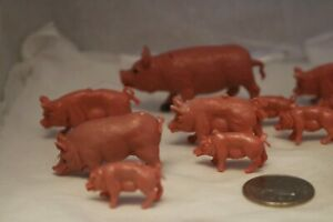 Pretend-play-farm-animals-lot-of-13-pigs-and-piglets-plastic-toys