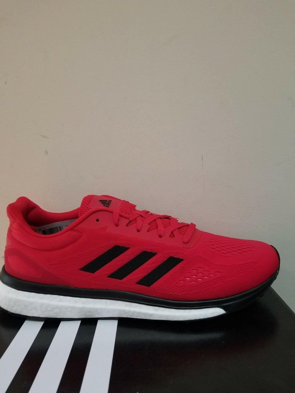 Adidas Response Response Response Lt Running Scarpe da Ginnastica Taglia 11 Nib | Nuovo design diverso  04905e