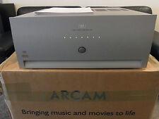 ARCAM FMJ p7 THX Ultra 2 7 CANALI AMPLIFICATORE Argento in scatola originale