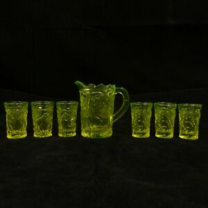 GLOWS-7pc-RARE-Yellow-VASELINE-Glass-INVERTED-PEACOCK-Child-PITCHER-Summit-SET