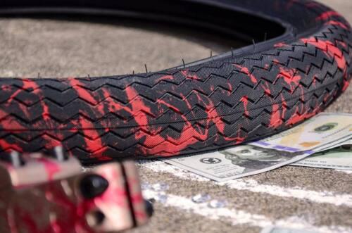 1 x SUBROSA SAWTOOTH BMX BIKE TIRE 20 x 2.35 FIT CULT BLACK RED BLOOD SPLATTER