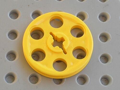 LEGO TECHNIC yellow wedge belt wheel 4185 Set 5893 7660 8277 10026 8480 8456