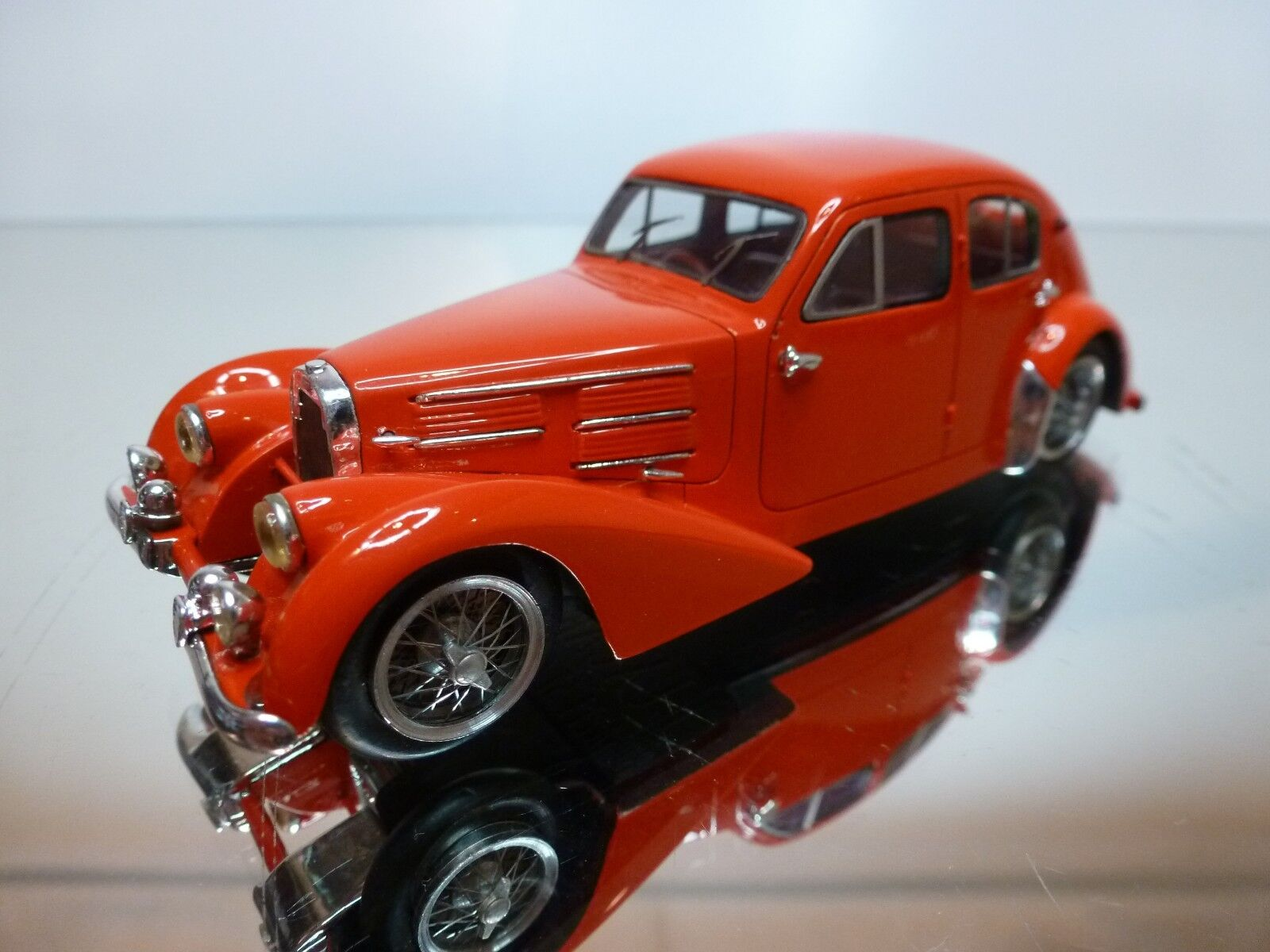 LUXCAR 001 BUGATTI 57 GALIBIER 1938 - rojo 1 43 - EXCELLENT CONDITION - 19