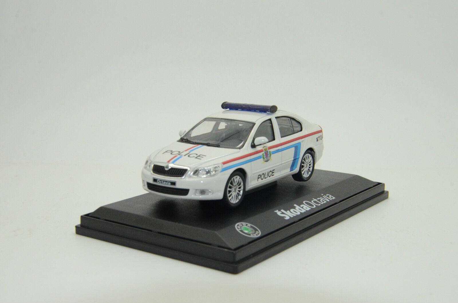 Rare Herregud Skoda Octavia Luxemburgs polis, tillverkad i 1  43
