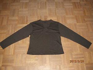 schoenes-Shirt-von-Boykott-Woman-Gr-42-dunkel-olivegruen-TOP-Zustand