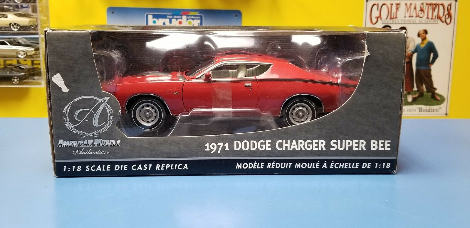 ERTL  AUTHENTIC AMERICAN MUSCLE 1971 DODGE CHARGER SUPER BEE  RED   NEW