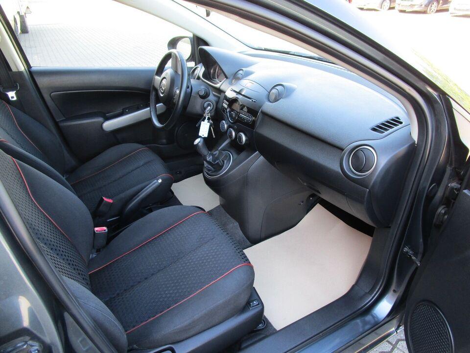 Mazda 2 1,3 84 Takara Edition Benzin modelår 2012 km 107000