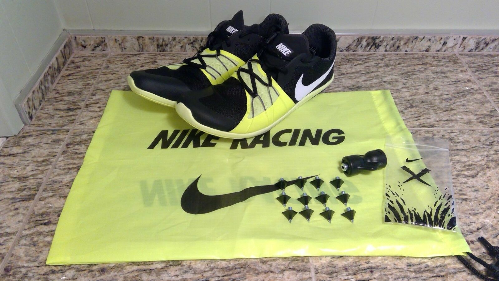 MENS SIZE 10 NIKE ZOOM FOREVER XC 5 SPIKE 904723-017 TRACK AND FEILD BLACK/VOLT