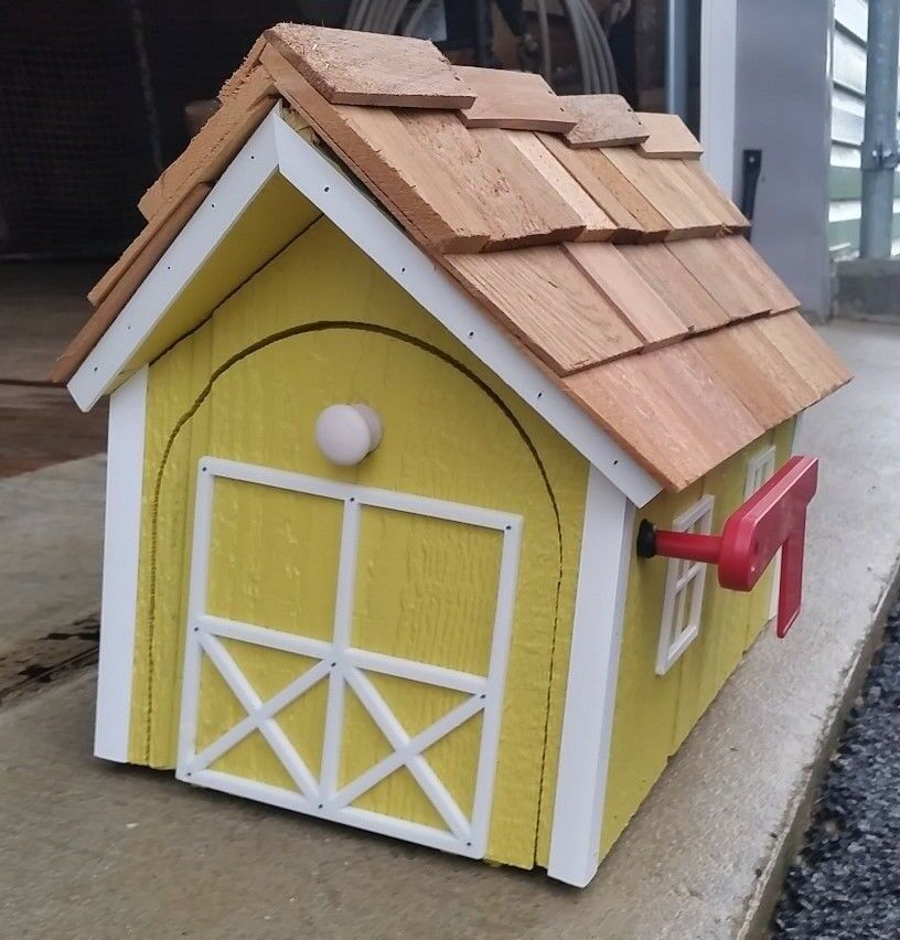 Amish Crafted Canary Yello (Weiß Trim) Barn Style Mailbox - Lancaster County PA