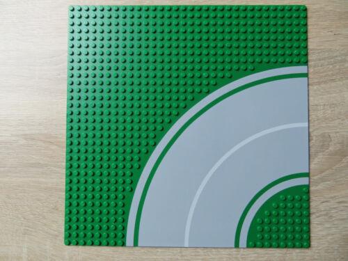 Lego® 613p01 Grundplatte 32x32 Strasse mit Kurve grün 8 Knopf mit Radweg