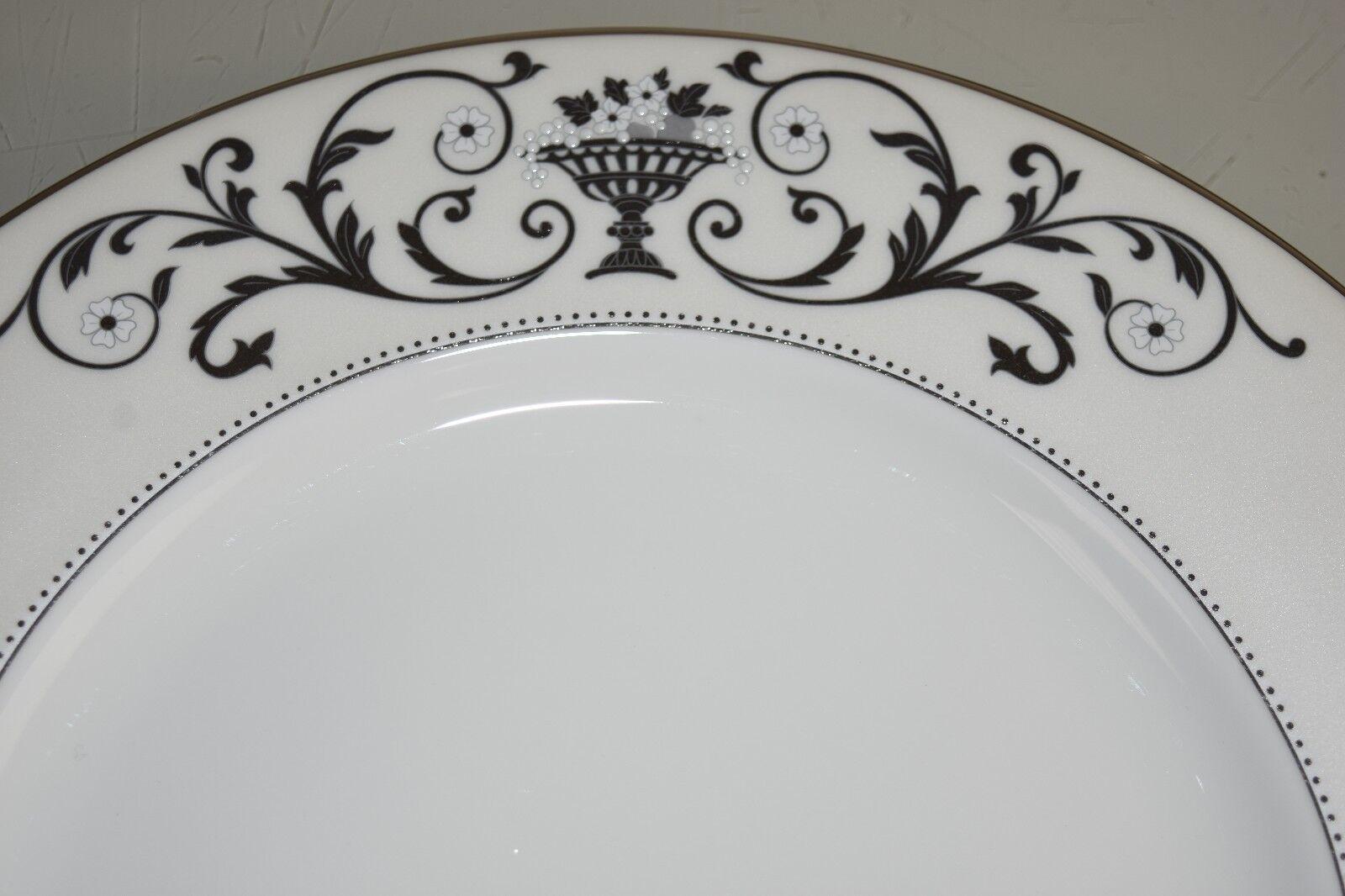 NEW Lenox Autumn Legacy 4 PC SET of White Dinner Plates Plate Precious PLATINUM