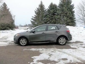 2013 Mazda 3 Sport GS-SKY SPORT Hatchback- ONE OWNER
