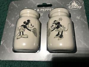 disney parks mickey /& minnie wedding salt and pepper set new sealed