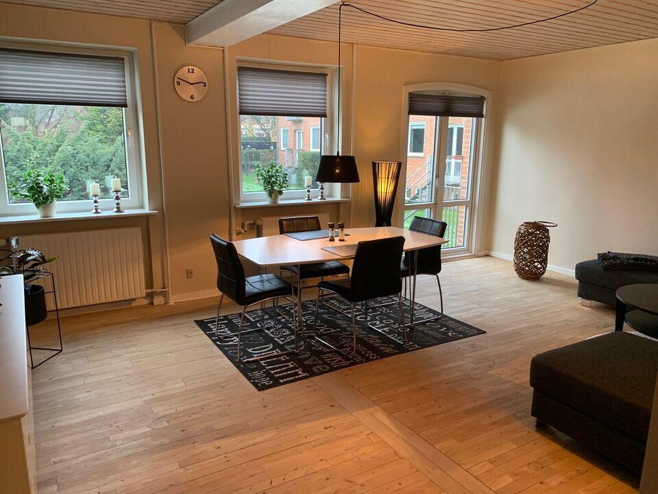 9200 3 vær. andelslejlighed, 84 m2, Lyngholmsvej 5 St. Th.