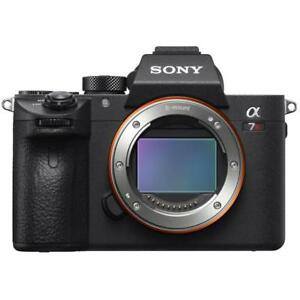 Sony-A7R-III-Body-42-4mp-3-034-Brand-New