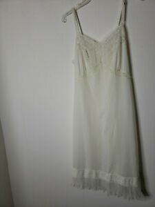 Unbranded Women's White Full Slip Lace Pleated Size 38 Unmentionables