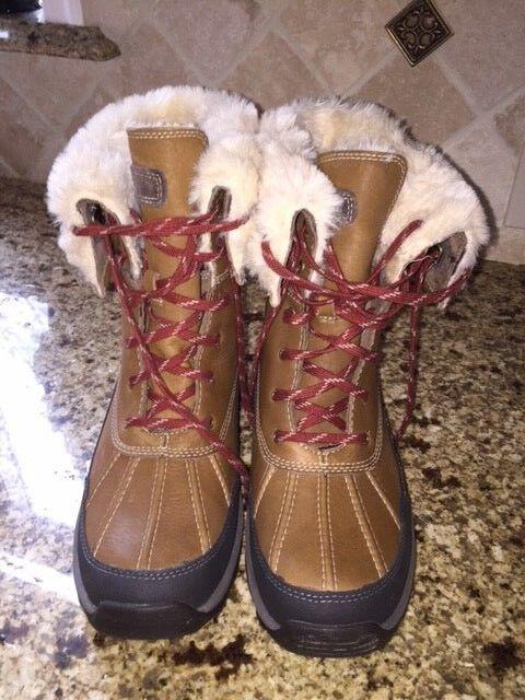 Clarks Women's Arctic Winter Boot - Size 9.5 (9 1 2)