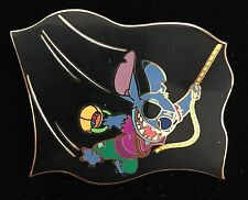DISNEY PIN DISNEY AUCTIONS P.I.N.S. STITCH AS PIRATE FLYING FLAG LE HALLOWEEN