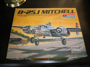 Kits World Decals 1//48 B-25J MITCHELL Bomber Meet Miss Runyon /& Big Jamoke
