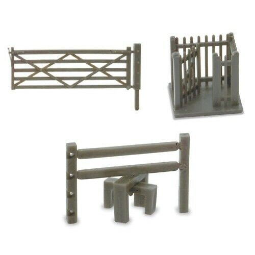 Peco LK46 Gaters and Stiles 3 sprues BNIP