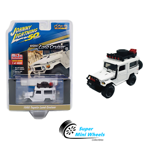 Johnny-Lightning-1980-Toyota-Land-Cruiser-White-Off-Road-Mijo-Exclusives-1-64