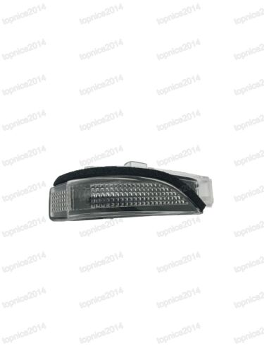 Side Mirror Light Turn Signal Lamp RH for Toyota Corolla 2014 middle east model