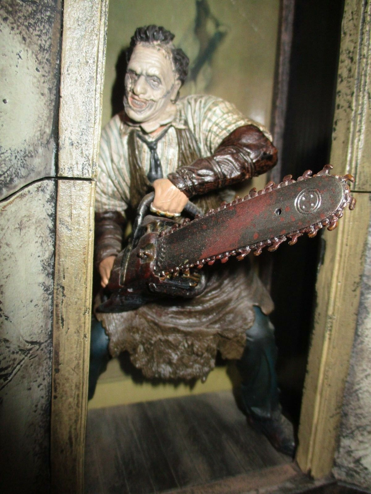 Old scenary removable massacre at chainsaw, Leatherface-Mc Farlane