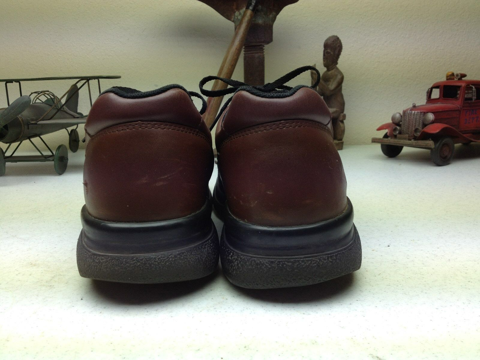 DISTRESSED BROWN LEATHER RED WING ENGINEER WORK FARM 9 CHORE steel toe SHOES 9 FARM D 89a169