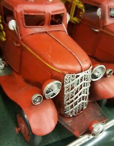 Christmas-Handpainted-Red-Metal-Vintage-Style-Old-Fire-Truck-Figurine-Decor