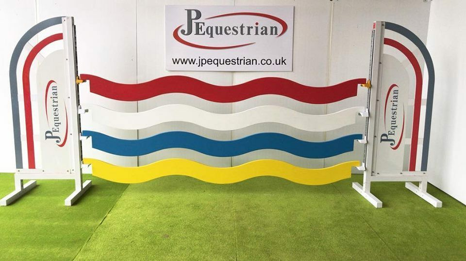 Wavey Show Jumping Plank - for Showjumping to use with Showjumping cups 3m
