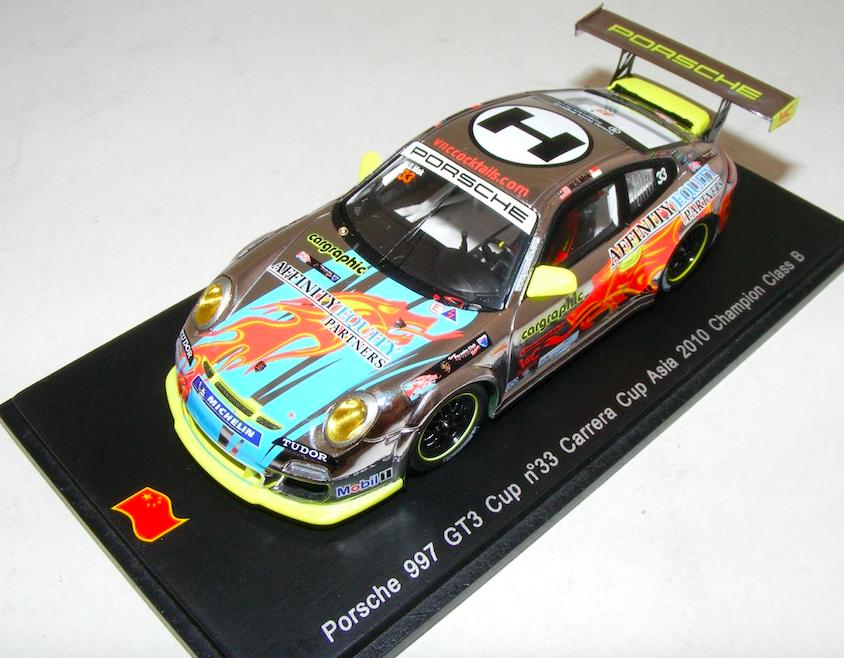 1 43 SPARK PORSCHE 911  997  GT3 Coupe Voiture  33 Champion Carrera Cup Asia SA003