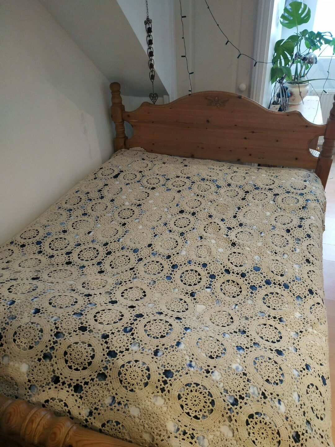 Bedspread Vintage Crocheted WEDDING gift ALL LACE BED Cover TABLECLOTH RARE vgc