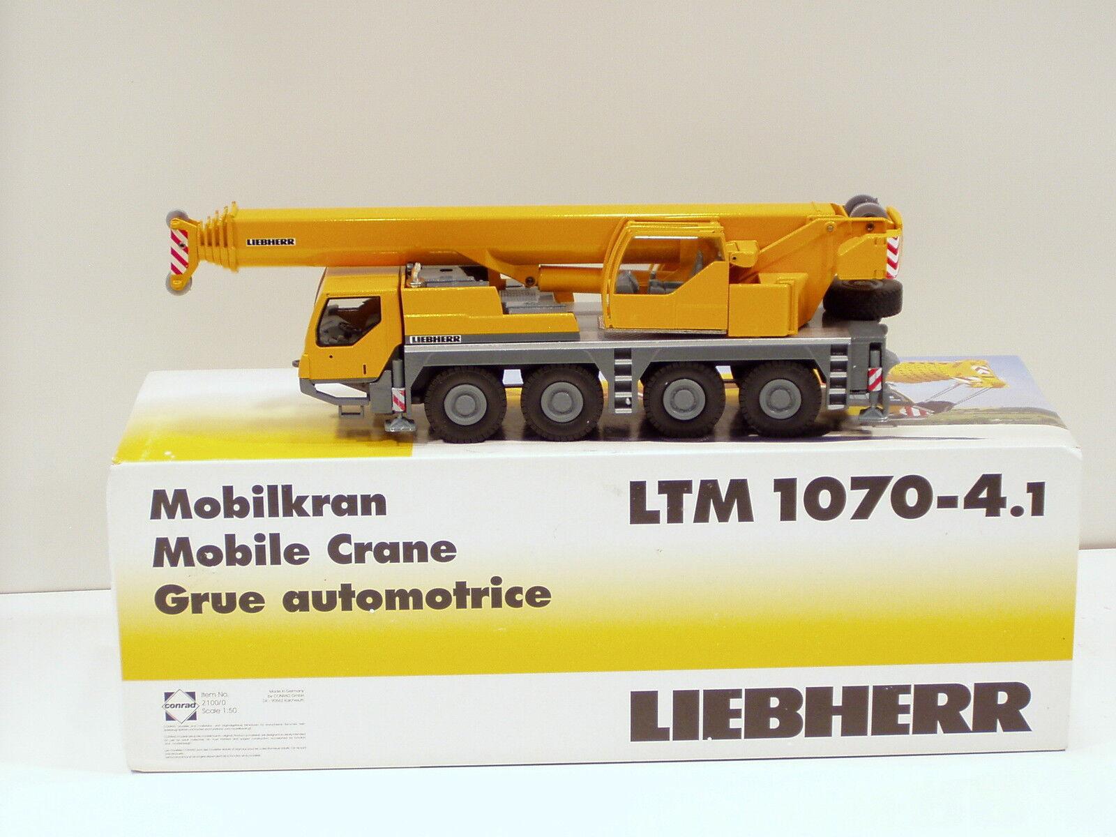 LIEBHERR LTM1070-4.1 camion grue - 1 50 - Conrad  2100