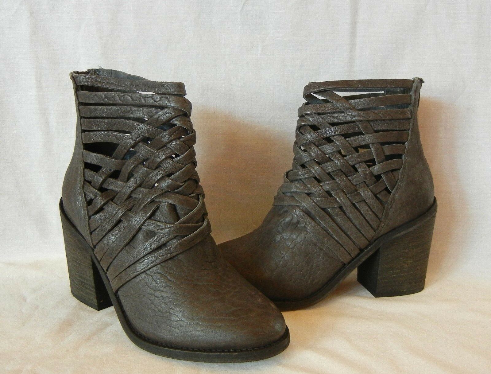 Free People Women's Carrera Leather Rear Zip Ankle Boot Retail  size 5
