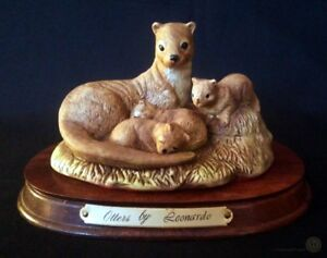 Otters By Leonardo Otter Family Figurine On Plinth 19cm W | FREE Delivery UK*