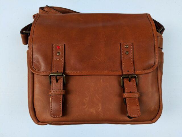 LEICA (Limited Edition) ONA Berlin II Vintage Bourbon Messenger Bag