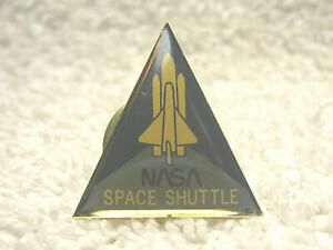"VINTAGE NASA SPACE SHUTTLE 1"" METAL & ENAMEL TRIANGLE TIE LAPEL PIN  - NICE"