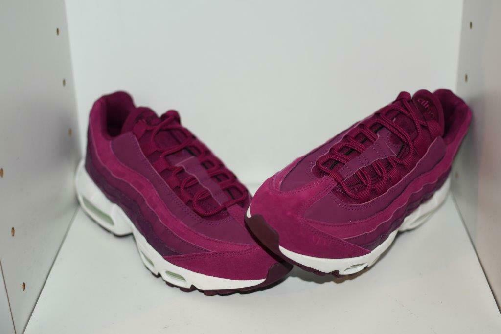 NIKE AIR MAX 95 PREMIUM  BERRY  WOMEN'S RUNNING SHOES - WOMEN'S SZ 7