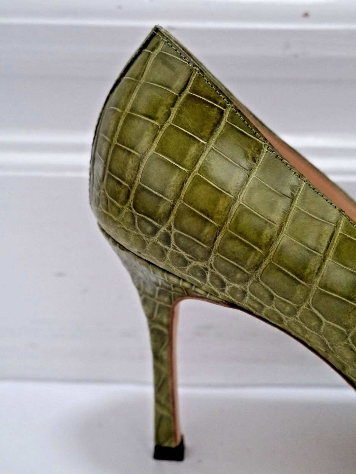 NEW MANOLO BLAHNIK  3050 olive genuine alligator alligator alligator crocodile heels pumps size 39.5 7c9df6