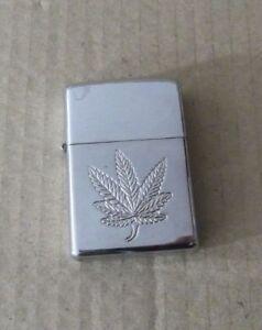 Vintage-Mechero-tipo-zipo-hoja-maria-Encendedor-a-gasolina