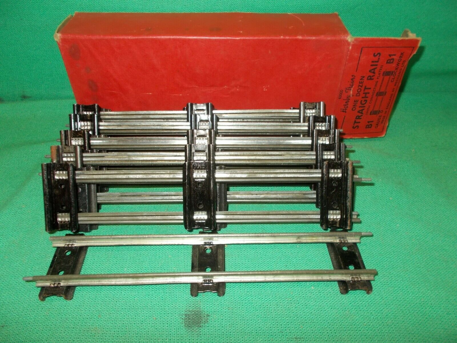 Hornby O Gauge STRAIGHT RAILS x 12 Boxed Clean & Bright Connector Plates 'L'