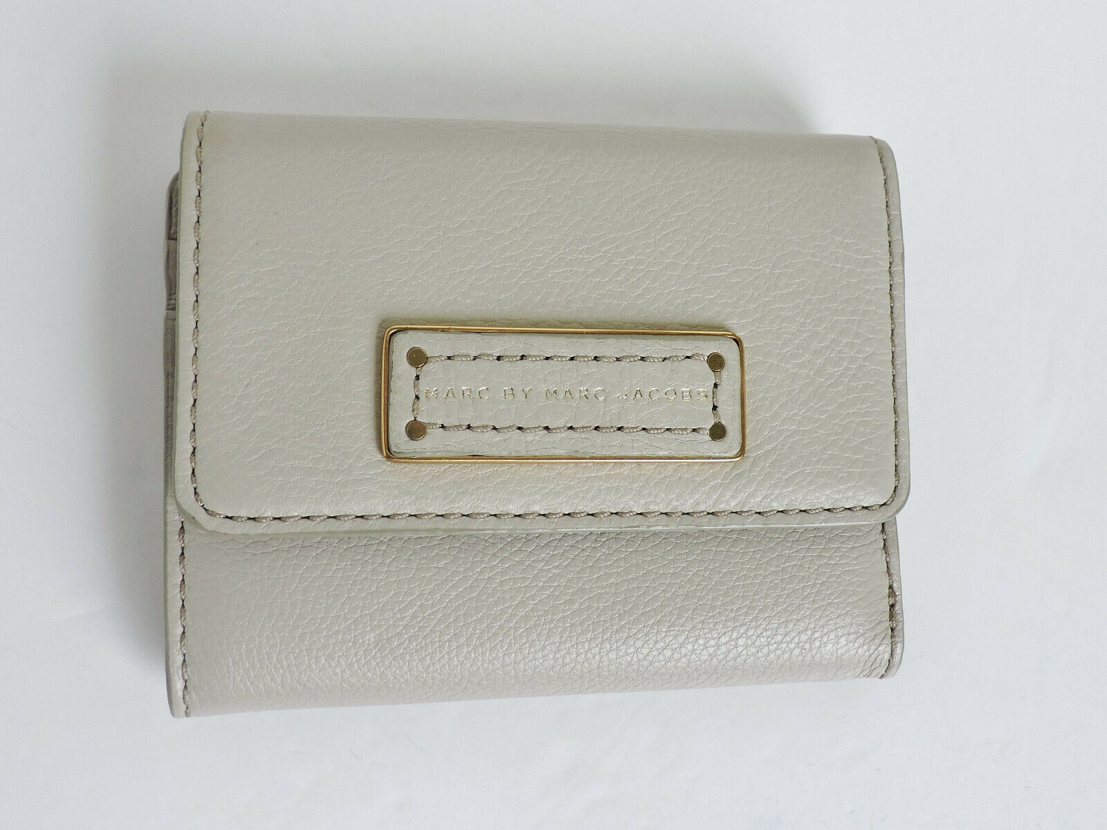 Marc By Marc Papyrus Taupe Gold Trim Tri Fold Pebbled Leather Small Wallet NWT