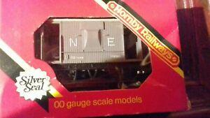 Oo gauge wagon N E guards van