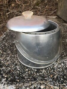 Vintage-Kromex-Aluminum-Ice-Bucket-50-s-60-s-Enduringly-Beautiful-Lucite-Handle