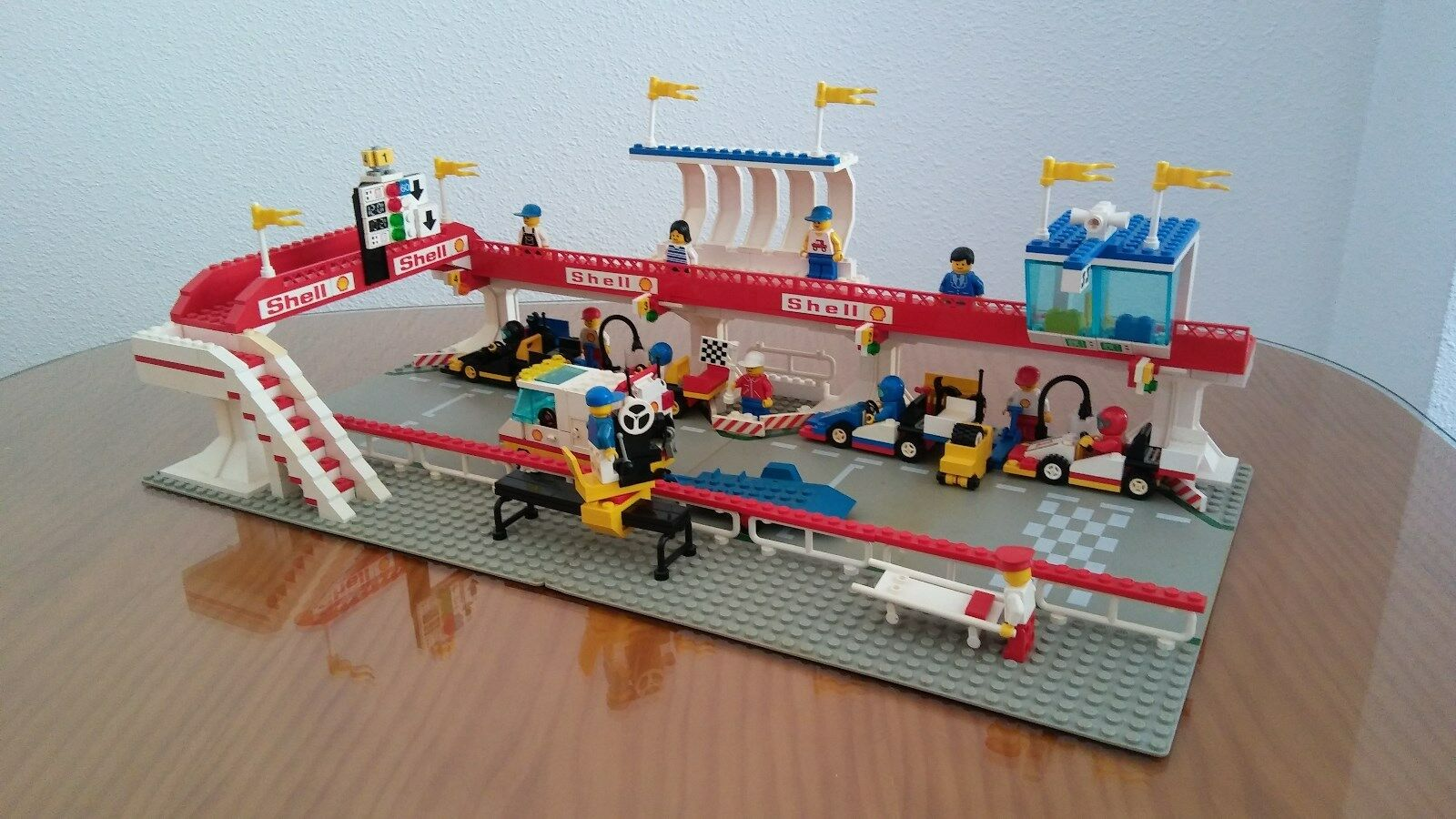 Lego 6395 Raceway Victory Lap.