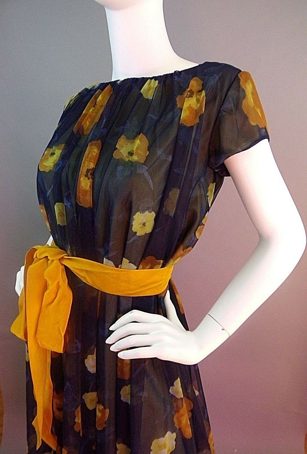 VINTAGE LUCIE ANN BEVERLY HILLS 1950s NIGHTGOWN - image 2