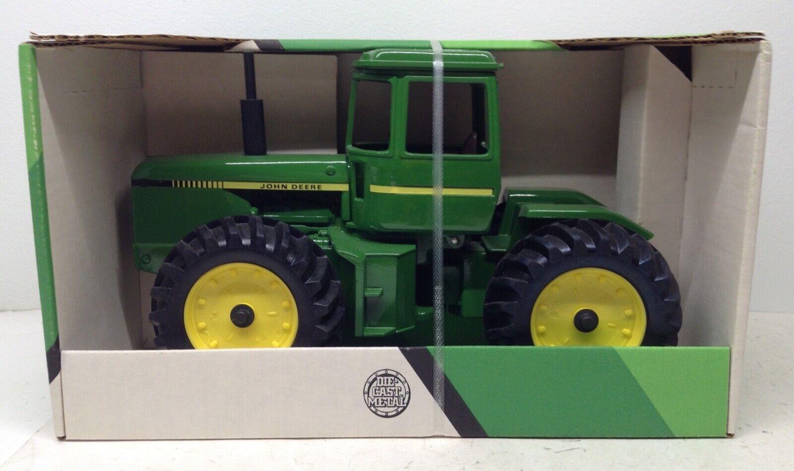 autorización John Deere 8640 o o o 8650 4WD Tractor con amplio sigles & Taxi Diecast Nuevo En Caja Ertl 1 16  hasta un 70% de descuento