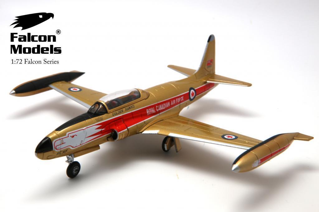 Falcon Models 1 72 T-33 oroenhawks no 21500 desembarco ref FA722021 MIB