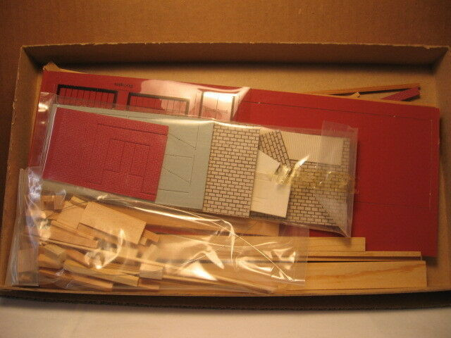 SUYDAM BUILDING KIT HO SCALE ELECTRONICS PLANT OR FACTORY OFFICE BUILDING