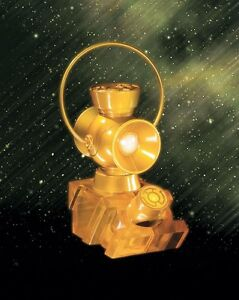 YELLOW-LANTERN-1-4-SCALE-POWER-BATTERY-AND-RING-FACTORY-SEALED
